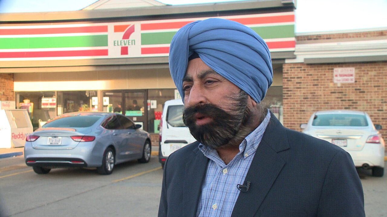 7-Eleven owner takes action to keep customers and employeessafe