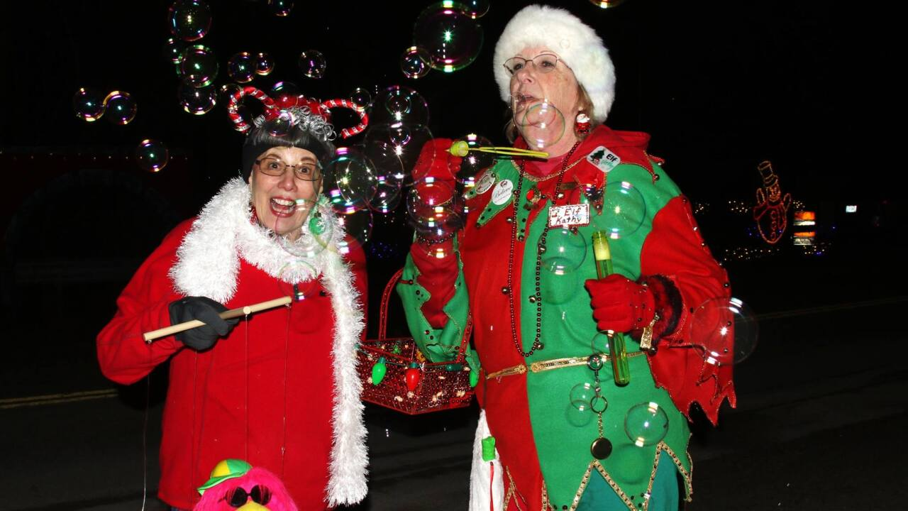 Cleveland Ohio Christmas Day 2020 Volunteer Opportunities Volunteers needed aboard the Polar Express on the Cuyahoga Valley
