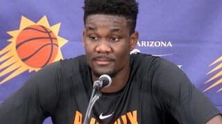 Deandre Ayton the main attraction on day one of NBA Summer League in Las Vegas