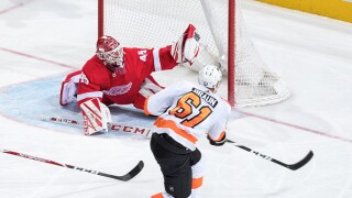 Red Wings drop 9th straight in shutout loss to Flyers