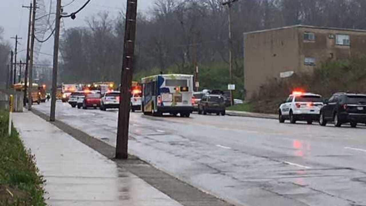 Police: 40 people involved in Ohio bus crash