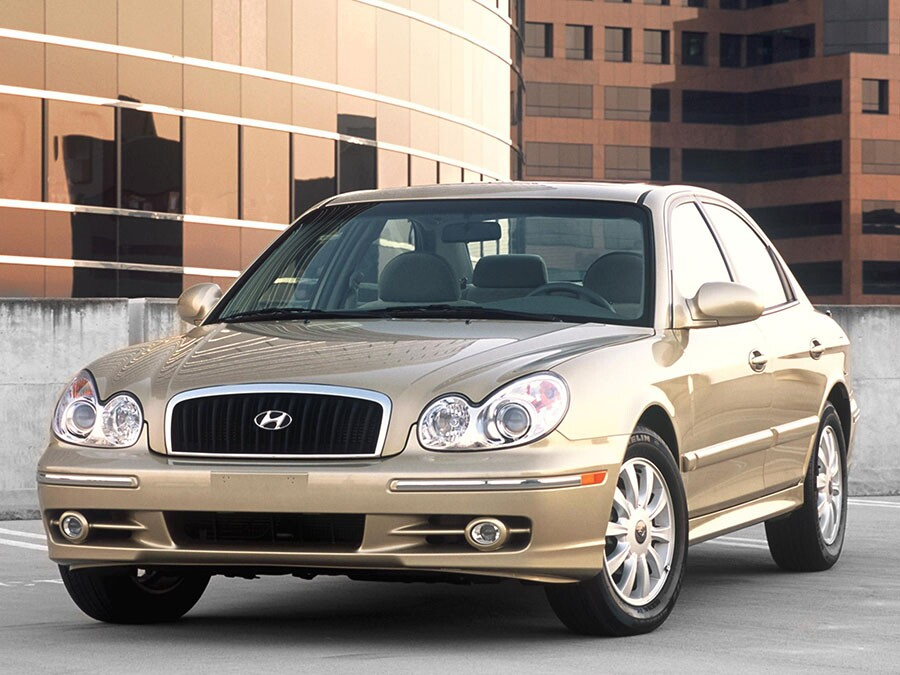 2004 Hyundai Sonata: Entry Midsize Car