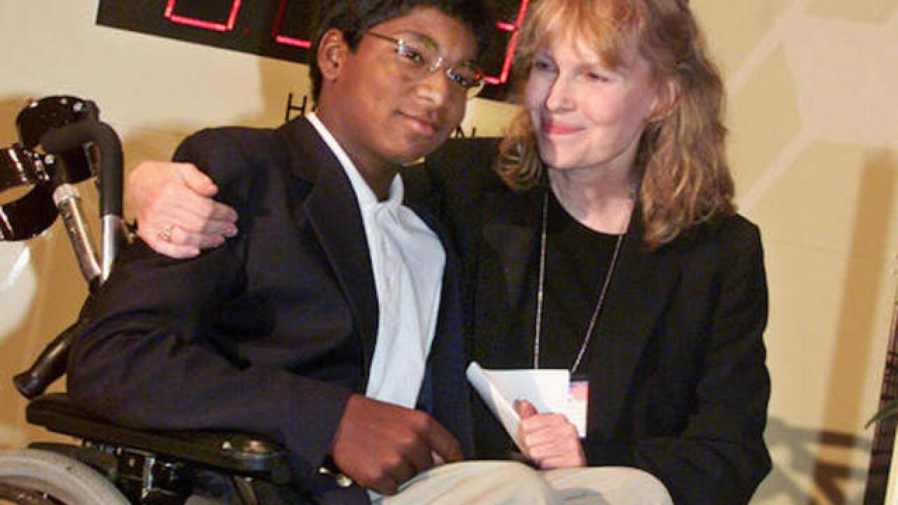 Mia Farrow's son committed suicide, medical examiner says