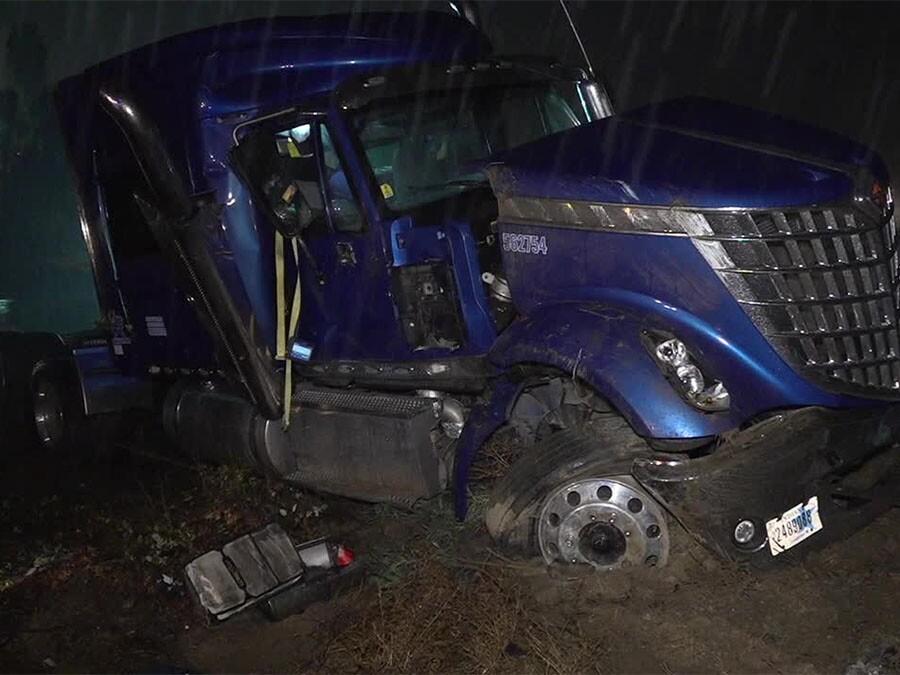 Bonita big rig crash Nov. 29, 2018