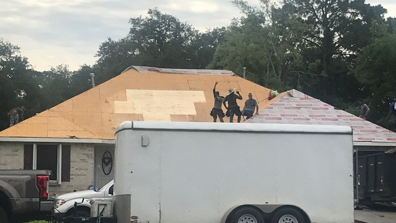 Iberia Veteran receives new roof