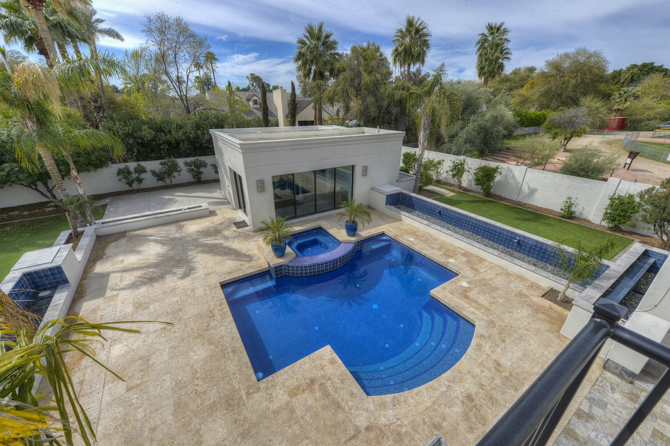 039_Pool Overview.jpg
