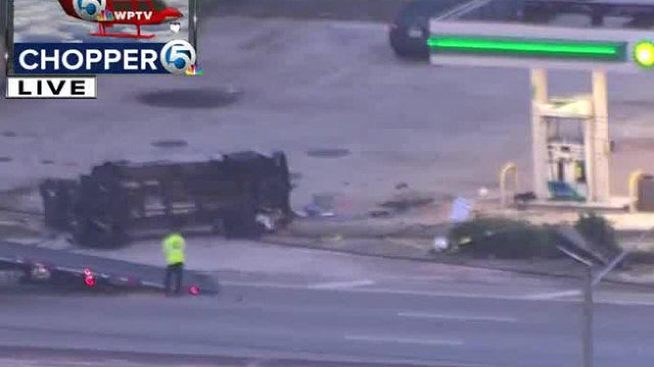 Crash closes SB Military Trail atBelvedere Road