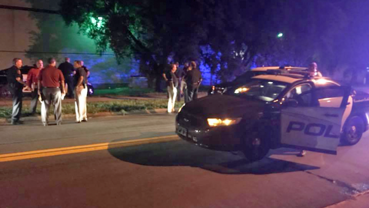Lakeland officer shoots suspected carjacker following brief chase
