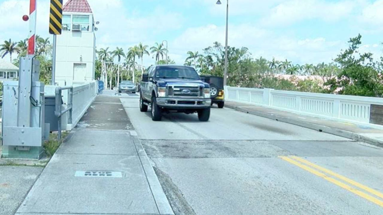Camino Real Bridge closing for a year in Boca