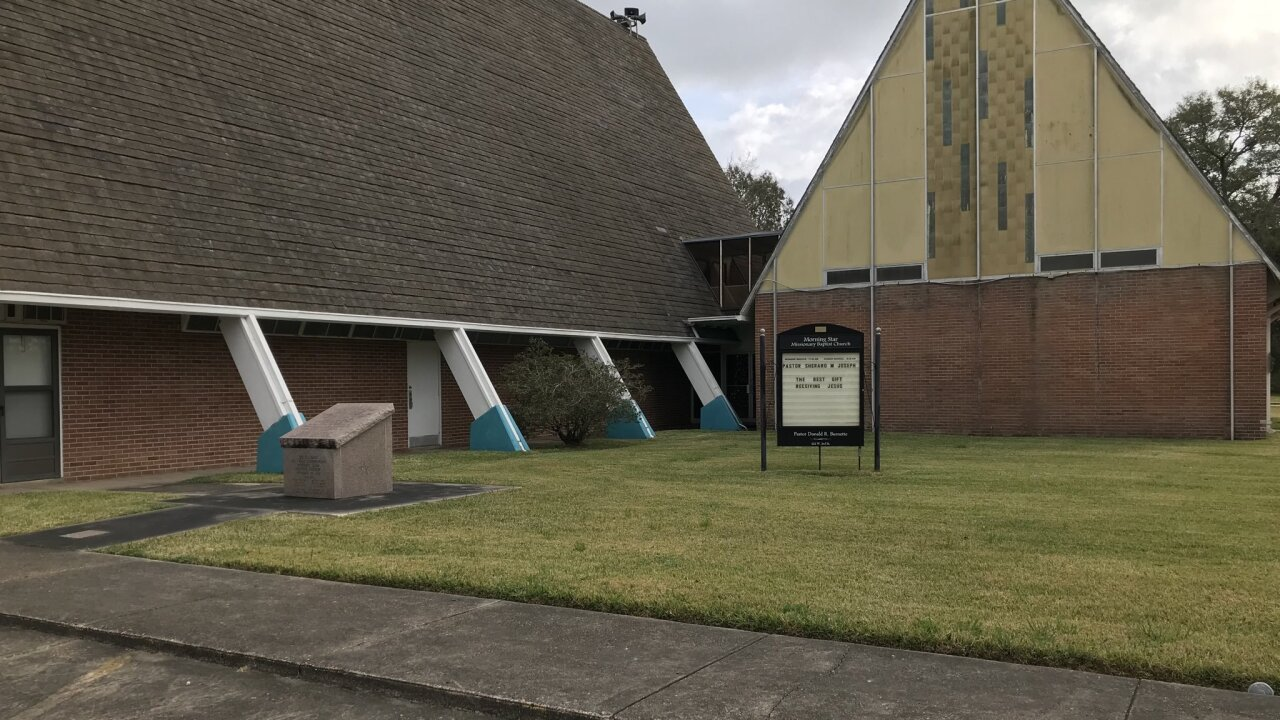 7th church vandalized.jpg