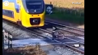 Video extra: This is why you always check the tracks twice for an oncoming train