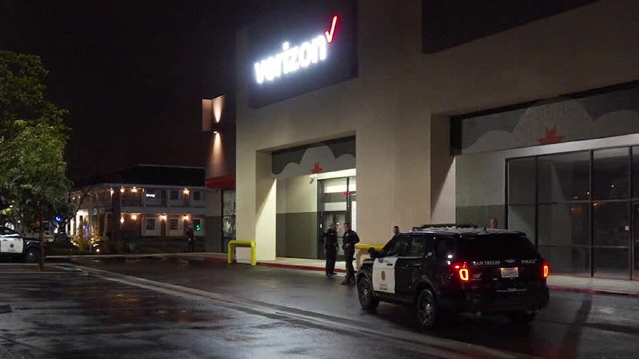 mv_verizon_robbery4_031320.jpg