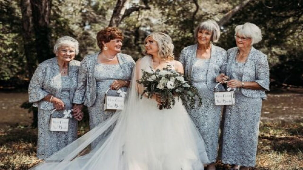 This Bride Had Four Grandmas As Her Flower Girls And The Photos Are Beautiful