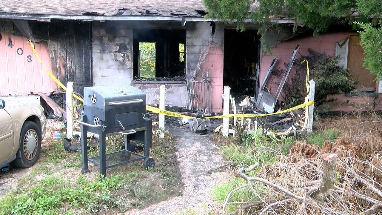 Pasco-House-Fire-Kills-6-Dogs-WFTS.jpg