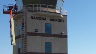 Crews quickly douse Ramona plane crash fire