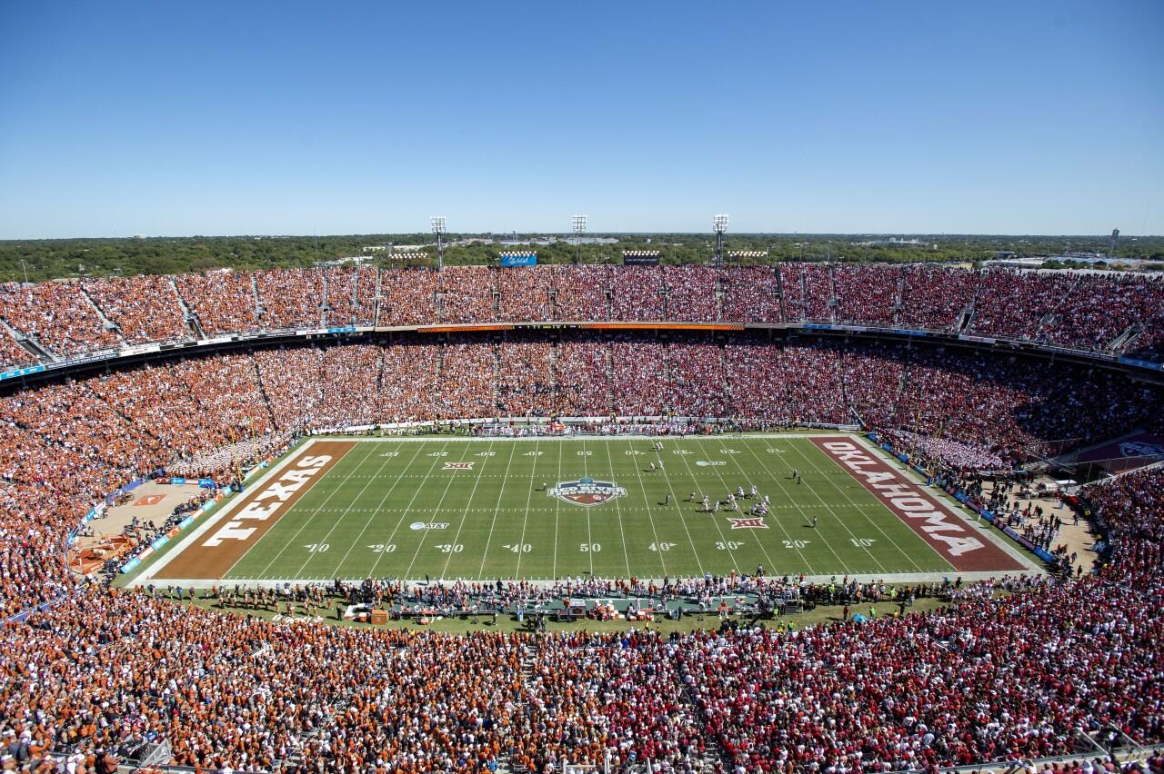 Texas Longhorns vs. Oklahoma Sooners at Cotton Bowl in 2019