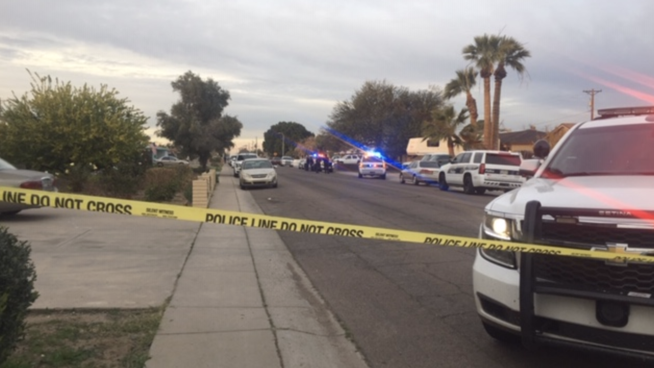 Teen shot near 27th and Northern avenues