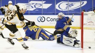 Rask lifts Bruins past Sabres