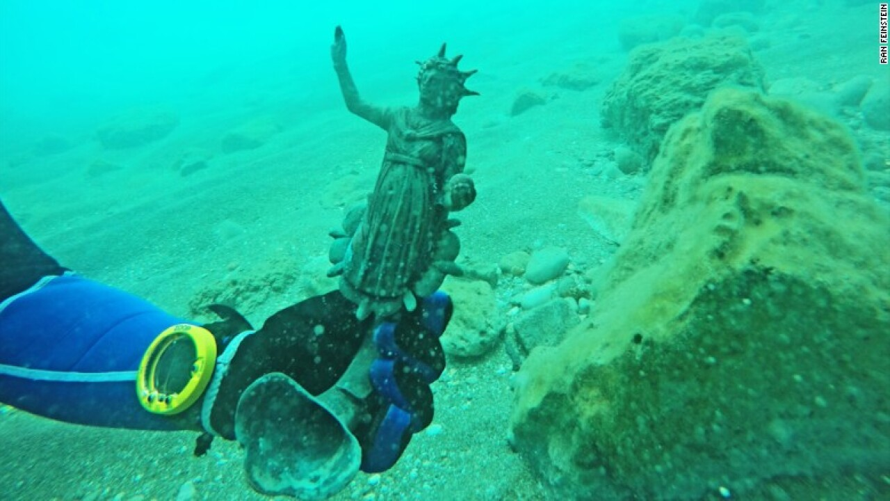Divers discover ancient Roman treasure trove in shipwreck