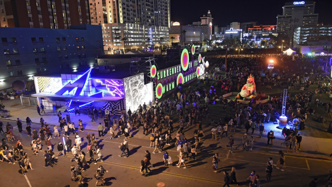 Las Vegas shooter looked into hotel room across from larger music festival
