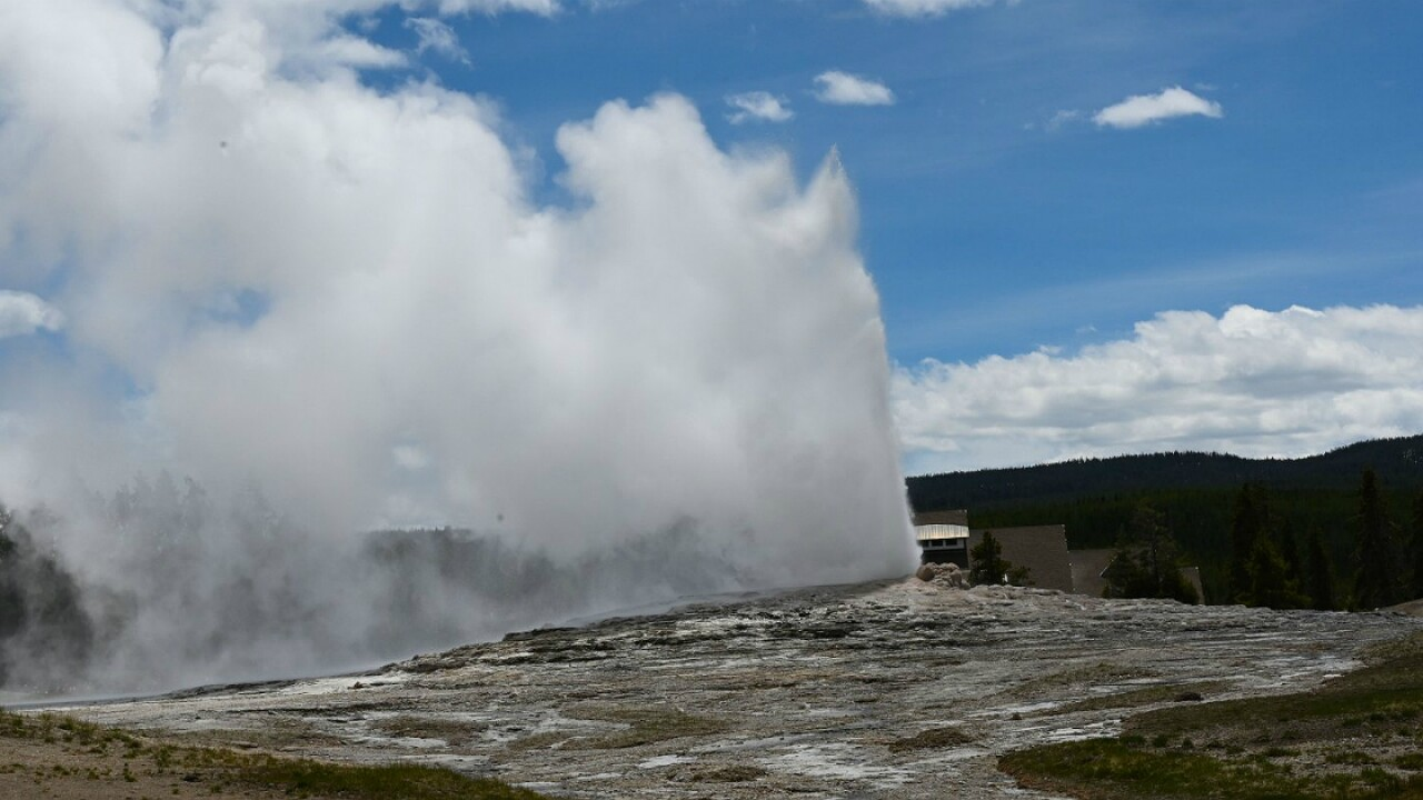 Man severely burned after fall into thermal water at Old Faithful