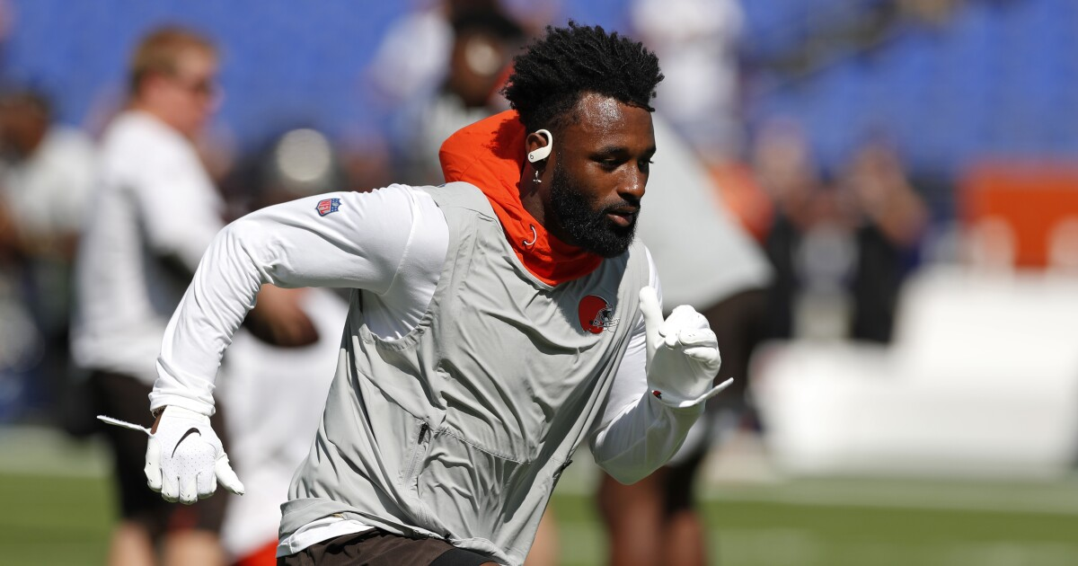 Jarvis Landry clears concussion protocol, returns to practice