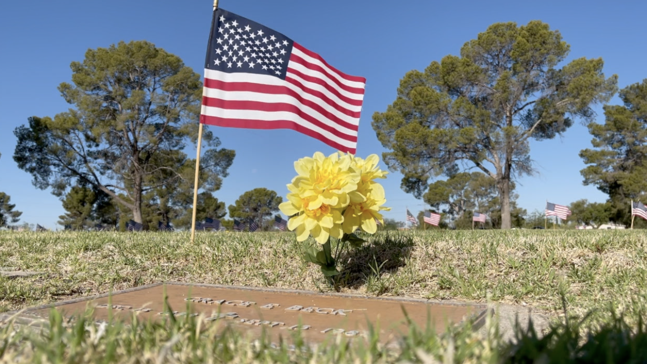 Thousands of flags placed on veteran graves ahead of Memorial Day