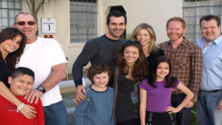The Cast Of 'Modern Family' Recreated A Photo From 10 Years Ago And It's Adorable