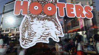 Hooters opening up new fast-casual restaurant, will hire male servers