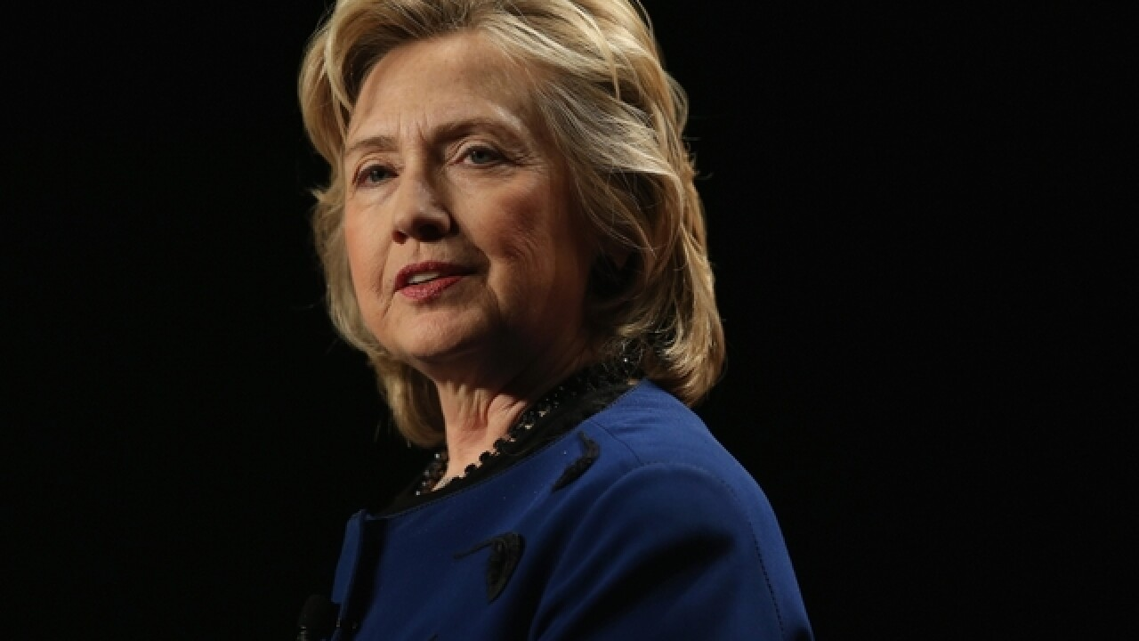 Hillary Clinton unveils college costs plan