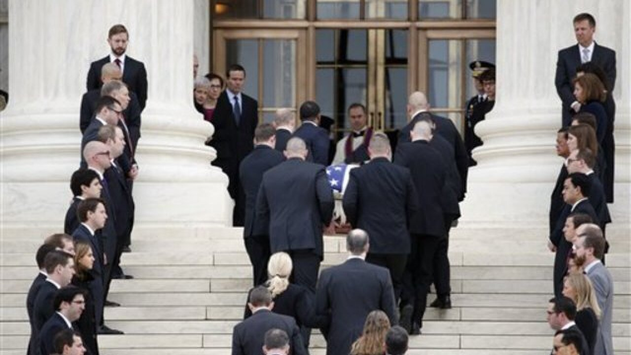 Mourners paying respects to late Justice Scalia