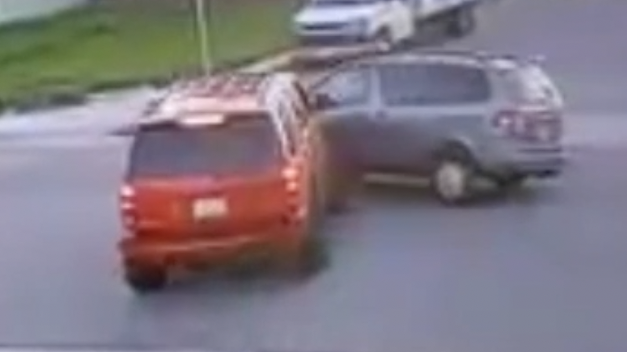 Caught on video: hit-and-run crash at Shelltown intersection