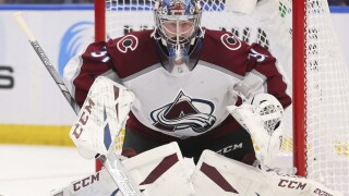 Avalanche beat Senators 4-1 for 5th win in 6 games