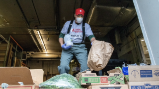 With $600 unemployment benefit expiring, food banks prep for demand