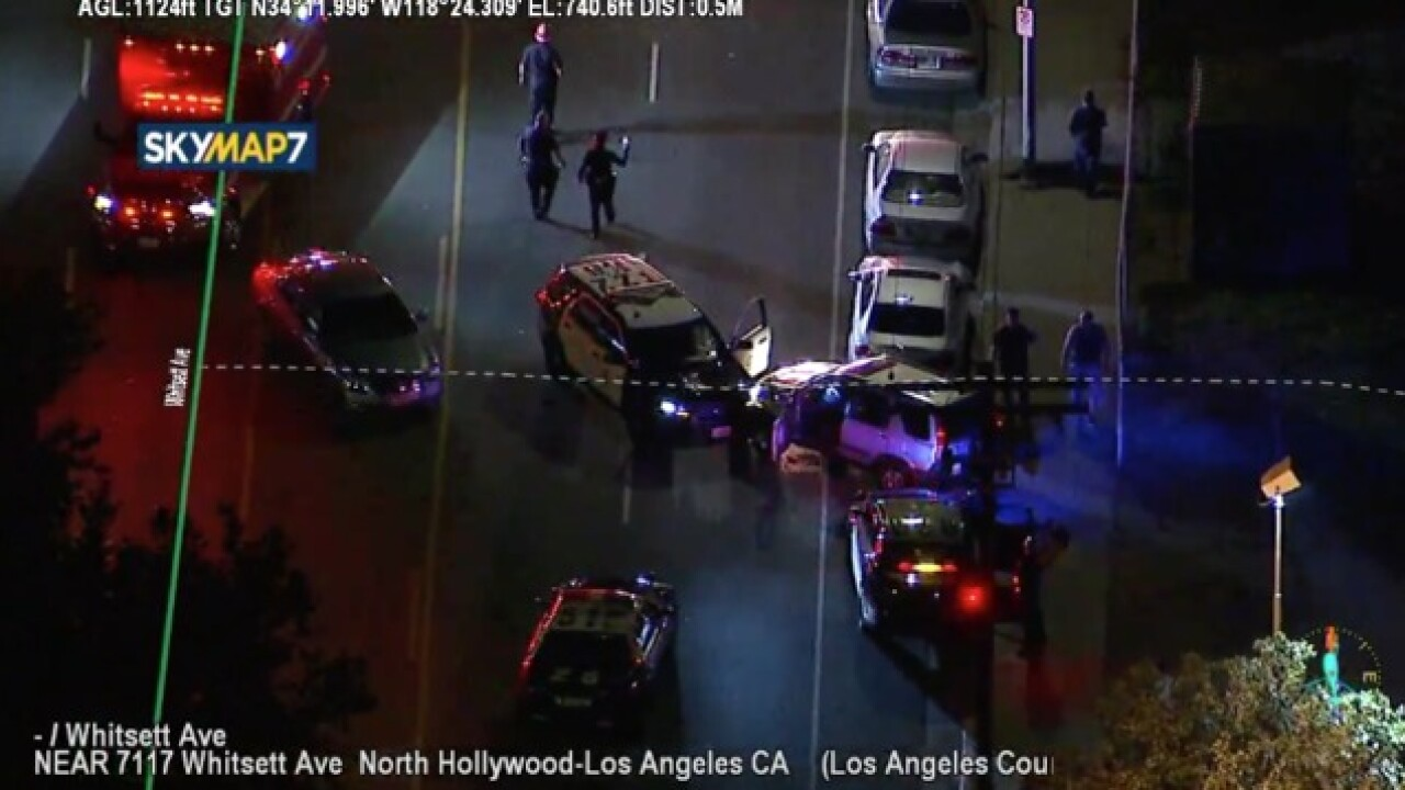 Authorities chase suspects in Los Angeles
