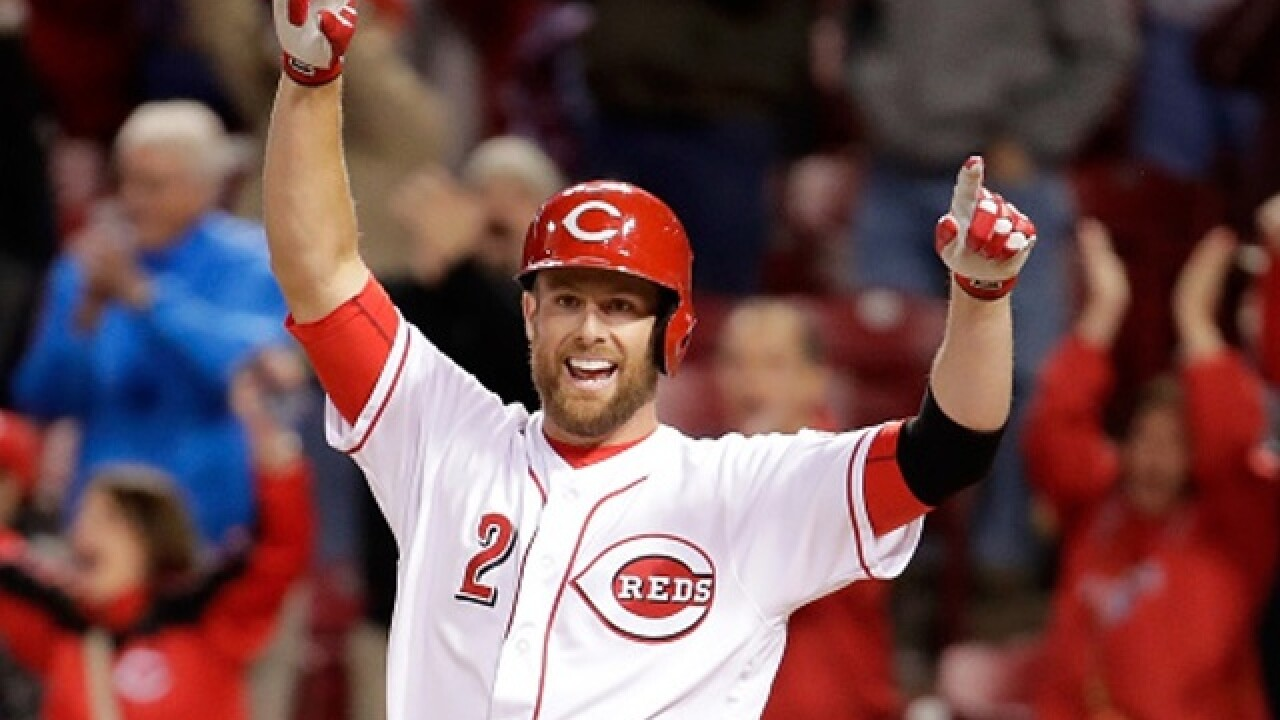 Longtime Reds SS Zack Cozart signs with Angels