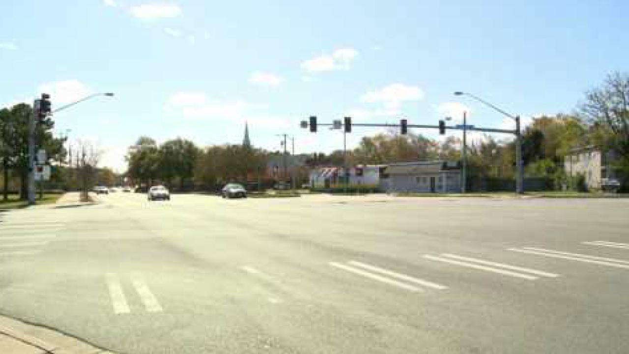 Man dead in single-vehicle crash in Norfolk, policeinvestigating