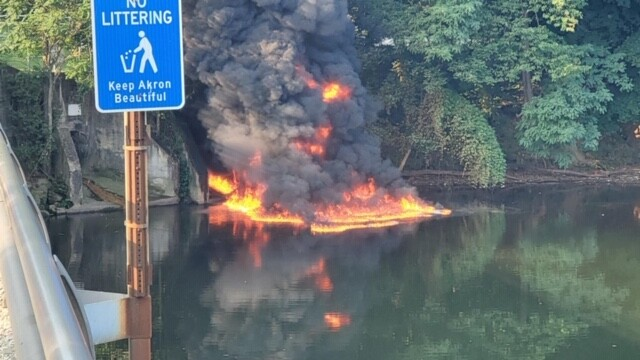 Akron Cuyahoga River fire 1.JPG