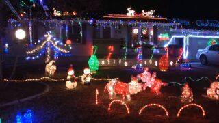 """""""Candy Cane Lane"""" highlights Great Falls holiday decorations"""