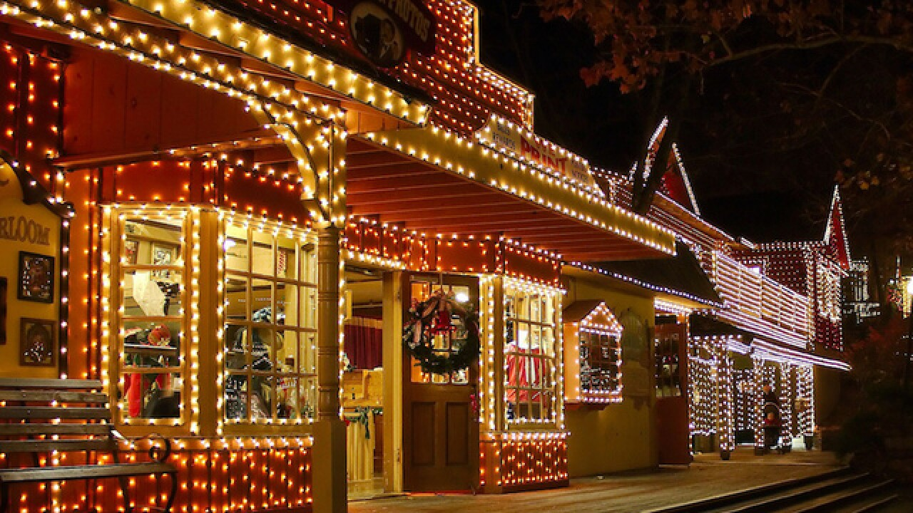 Best Places For Christmas In Usa.7 Best Places To See Christmas Lights In The Usa