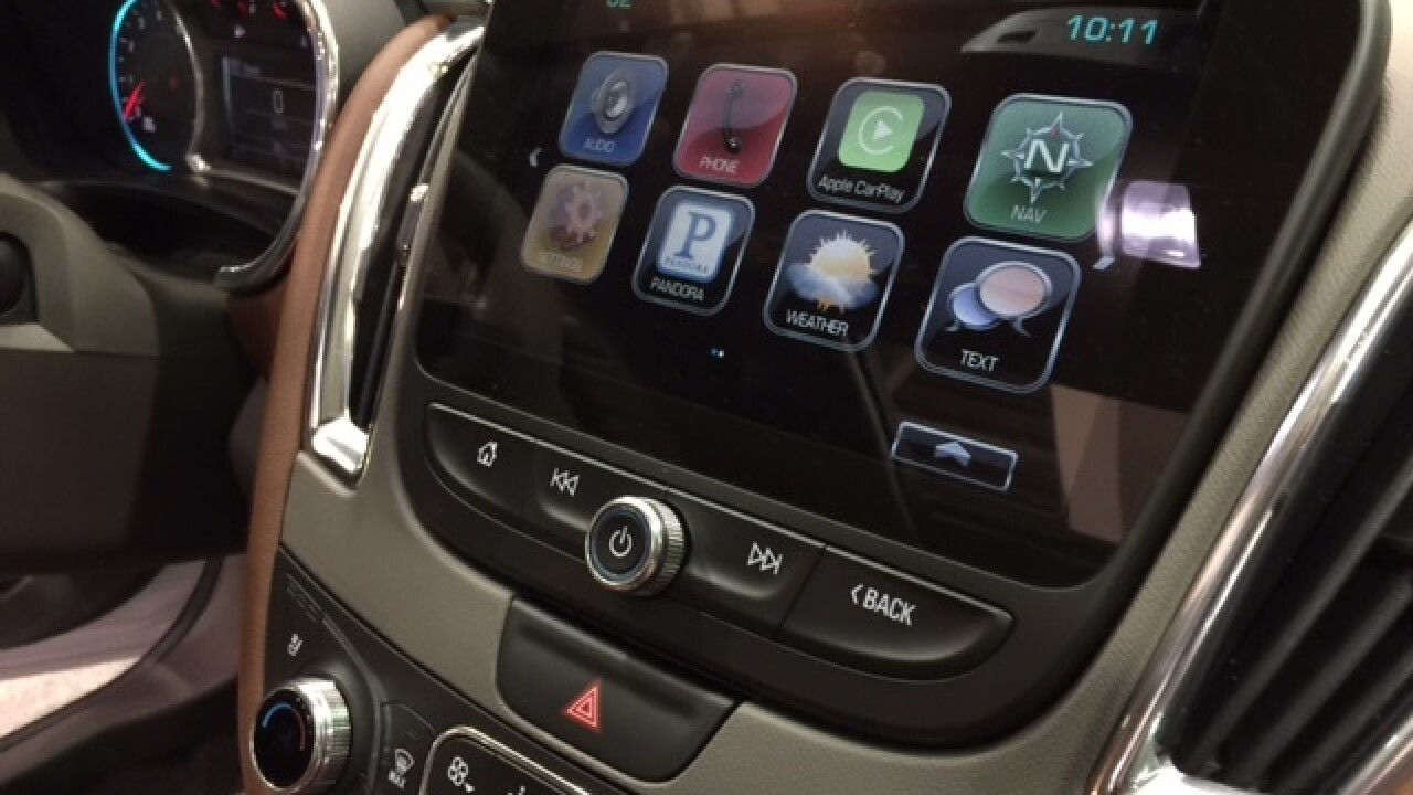KC Auto Show brings smart cars to the metro