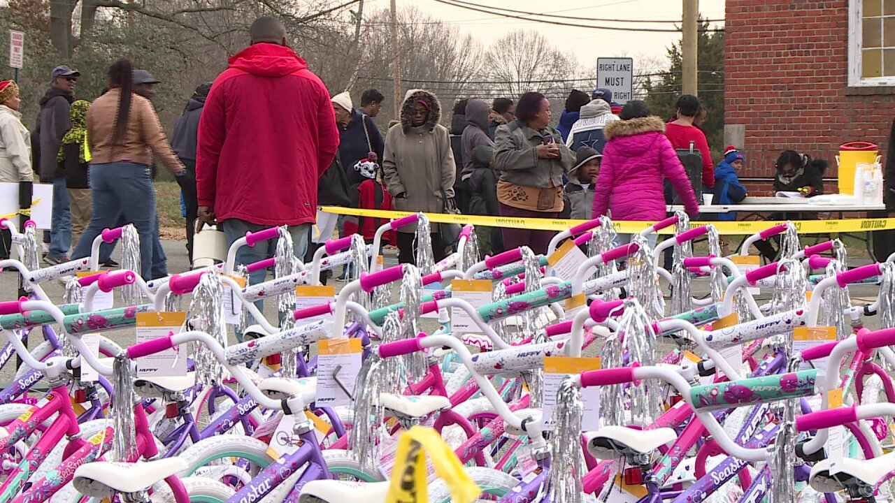 Christmas bike giveaway is 'our way of showing love,' pastorsays