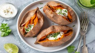 How To Perfectly Cook A Sweet Potato In The Microwave