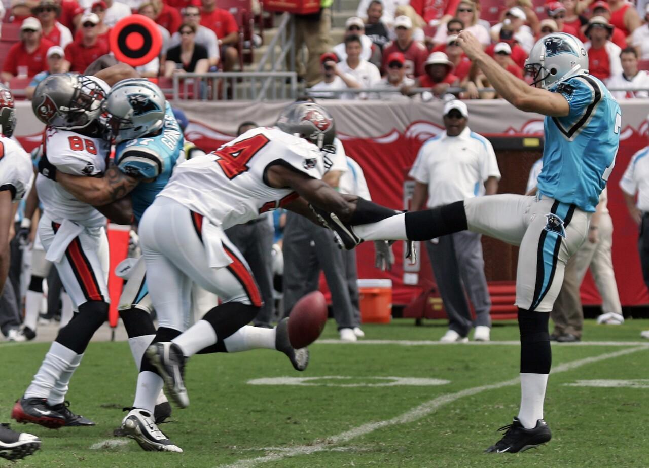 Tampa Bay Buccaneers linebacker Geno Hayes blocks Carolina Panthers punter kick in 2008