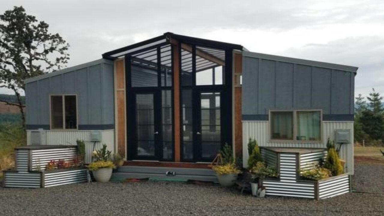 Designer Connected 2 Tiny Homes To Make 1 Gorgeous House