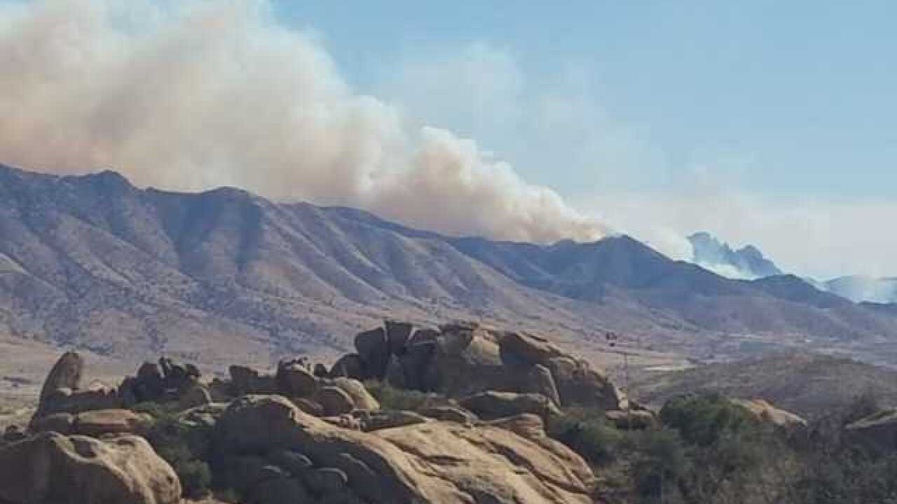 Fast-moving Knob Hill fire now covers 1500 acres