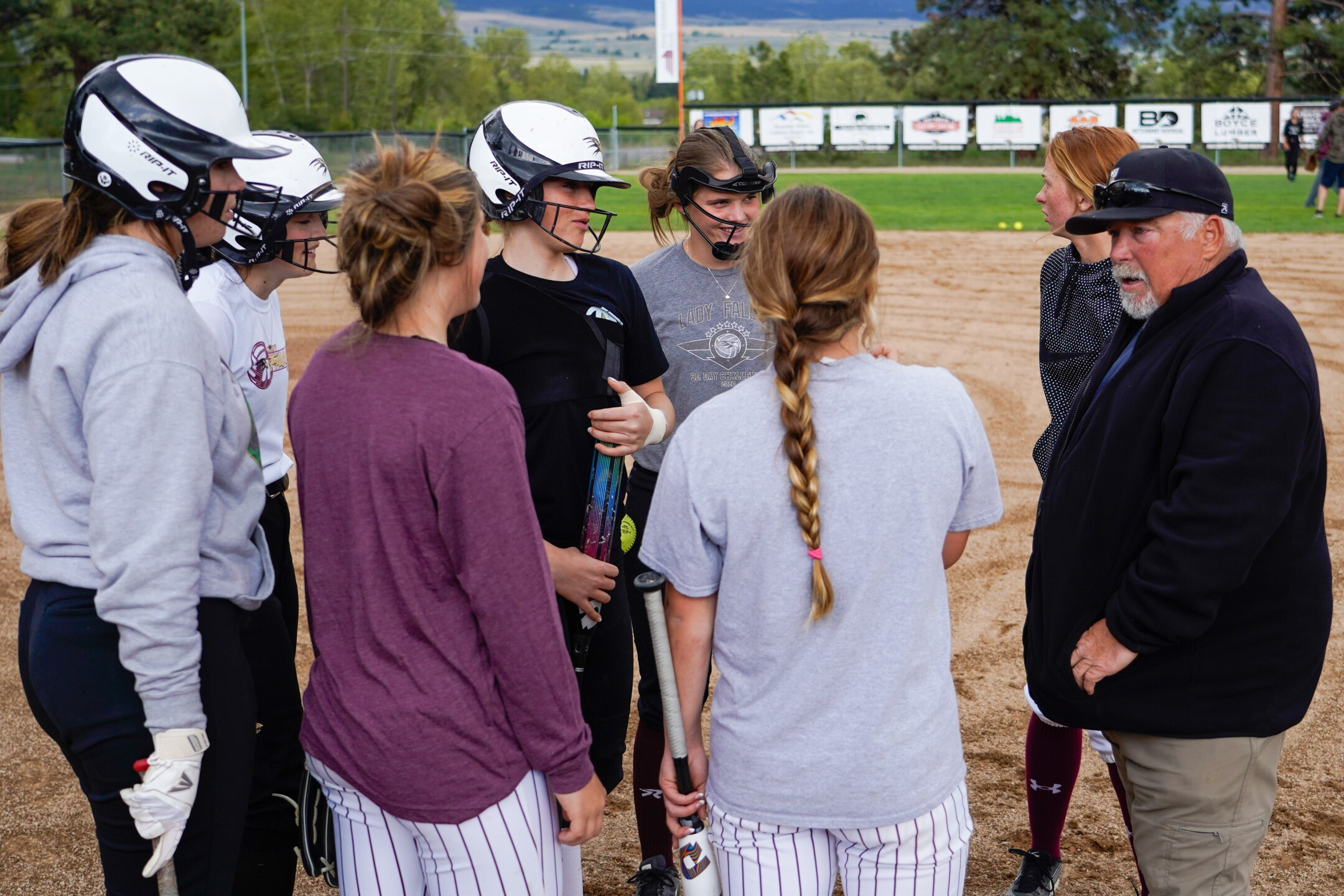 Florence softball team.jpg