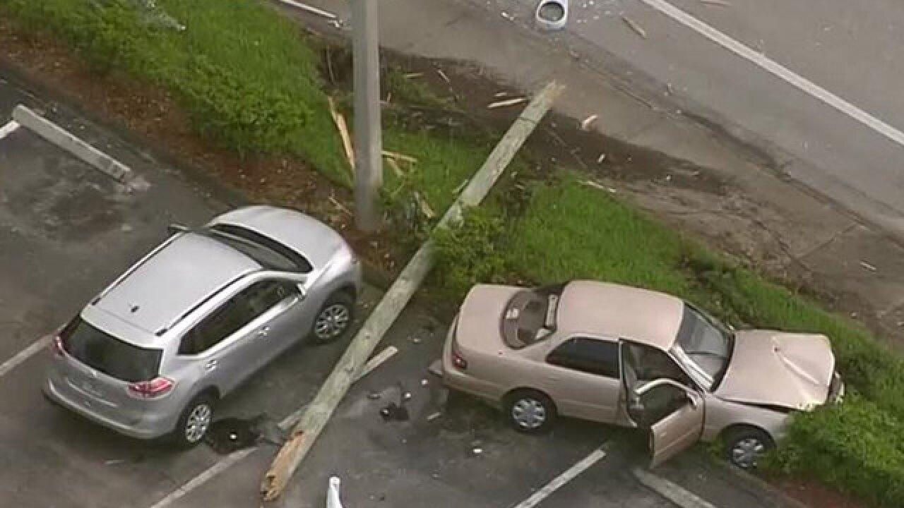 2 hurt, including child, after crash near West Palm Beach