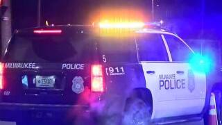 Milwaukee police investigating 2 overnight shootings