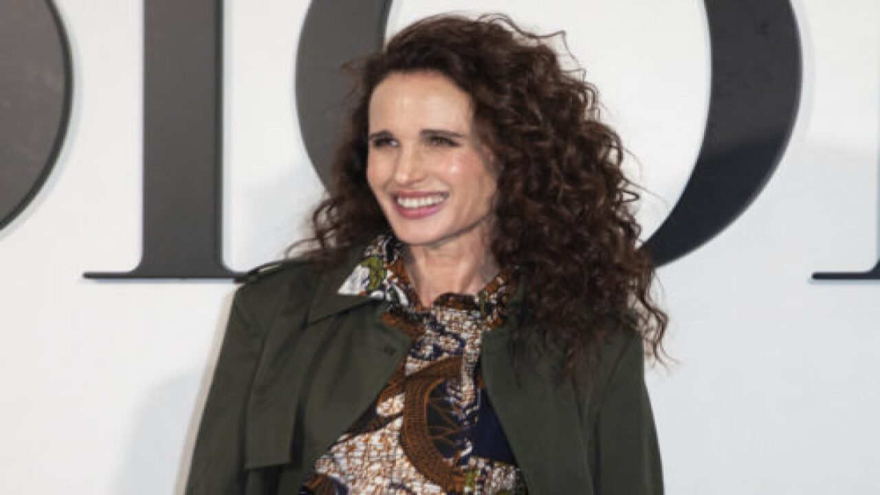 Andie MacDowell Embracing Her Natural 'silver Fox' Hair In Lockdown